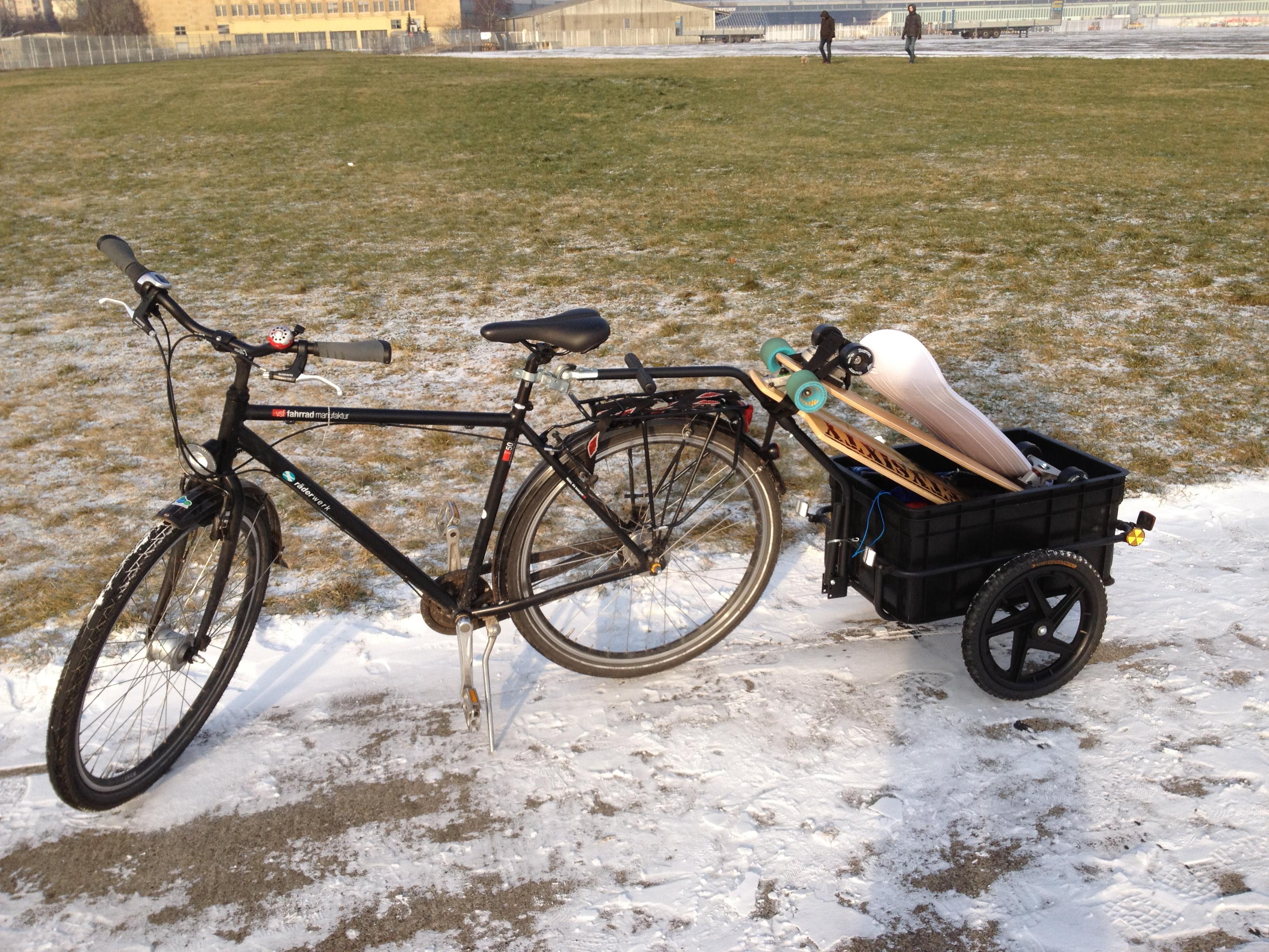 6 Kites, 2 Longboards und ein Snowskate : kein Problem